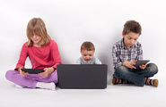 Insegnare le nuove tecnologie ai figli, il metodo Tisseron