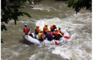 Rafting team building: quando il lavoro di squadra si fa avventuroso