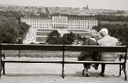 Innamorarsi a 60 anni: saggezza e fantasia dei senior in love