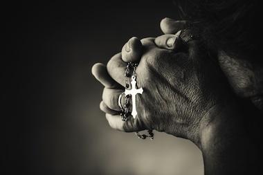 Fede e longevità: credere in Dio aiuta a mantenersi in salute?
