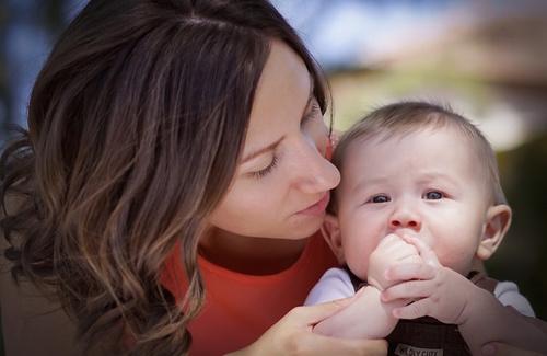 Ansia materna: come riconoscerla e vincerla