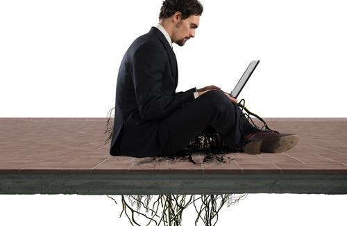 Lavoro: il confine fra dedizione e dipendenza compulsiva