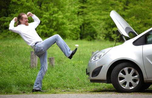 Guidare distratti: l'effetto della rabbia