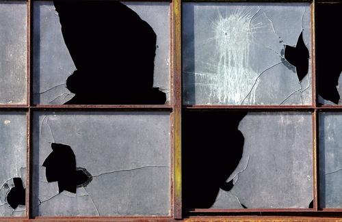 La teoria delle finestre rotte e il degrado tra noi