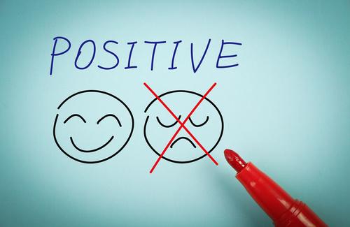 Sviluppare il pensiero positivo aiuta davvero?
