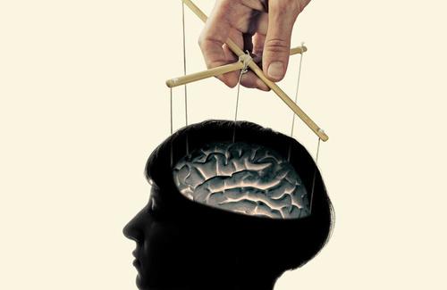 Come riconoscere un manipolatore affettivo